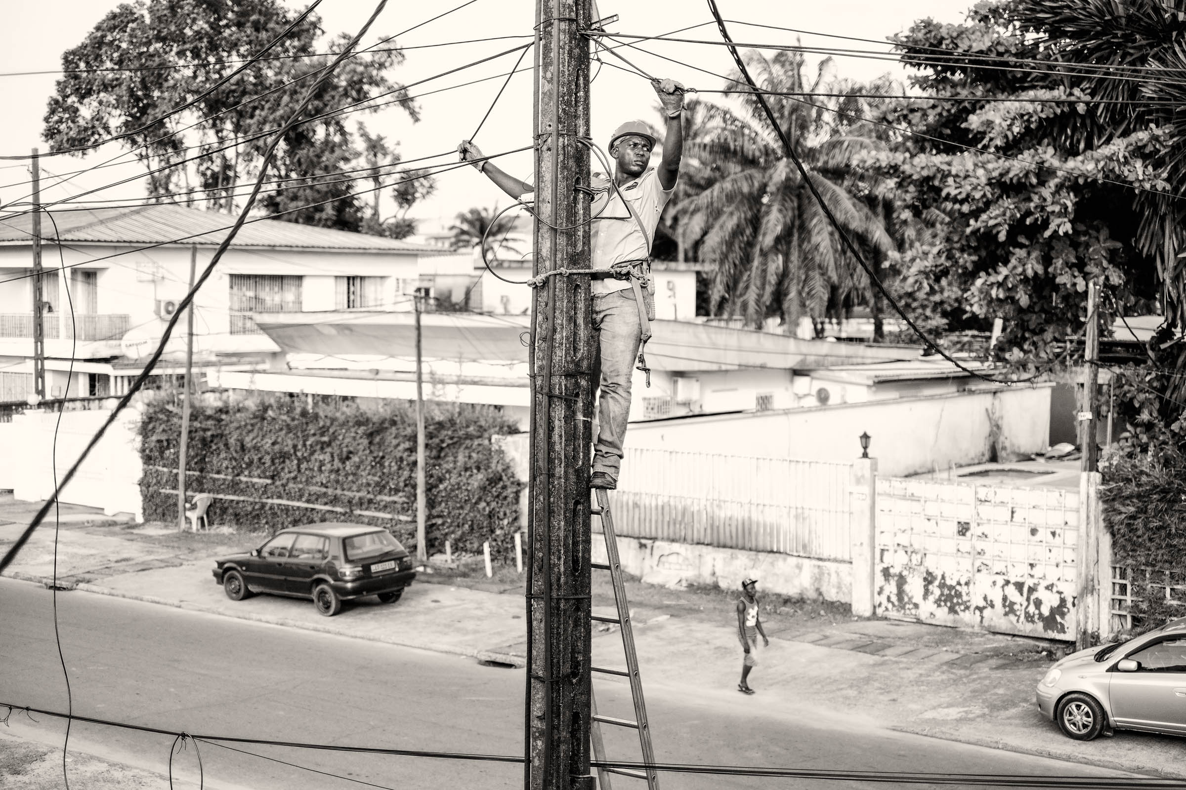 Cameroonese electrician (2015)