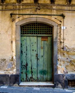 Castiglione di Sicilia (English)