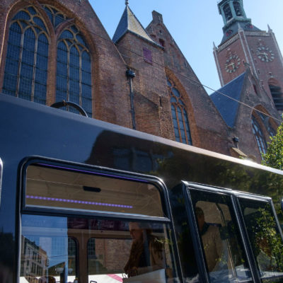 Apoes Tramrit door Den Haag