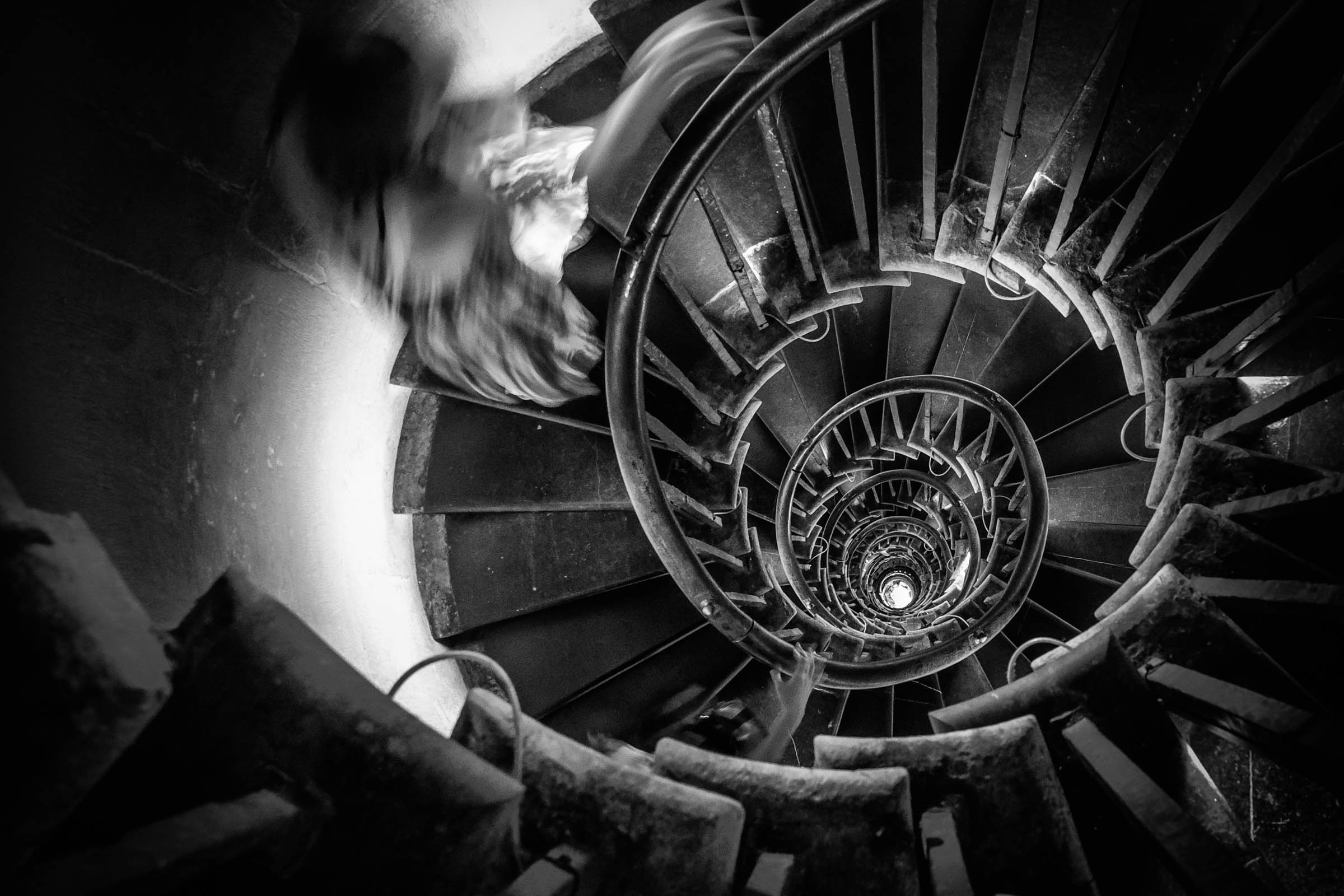 311 stairs of London's Monument (1671)