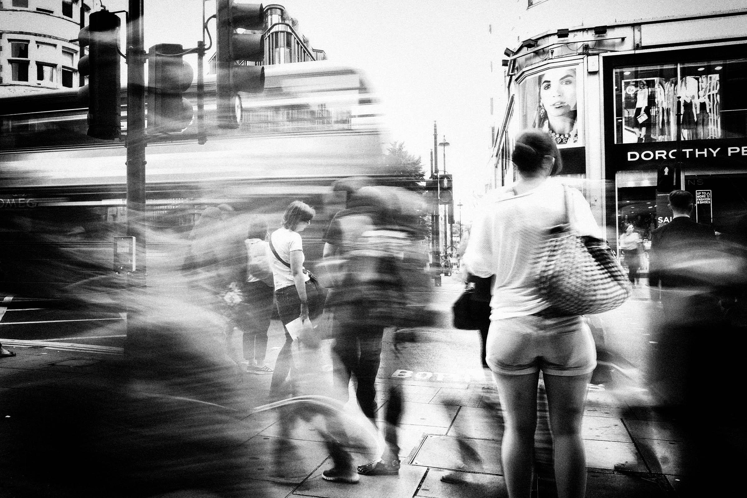 London shoppers (2014)